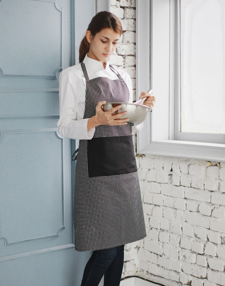#AA1412 Square Apron Black
